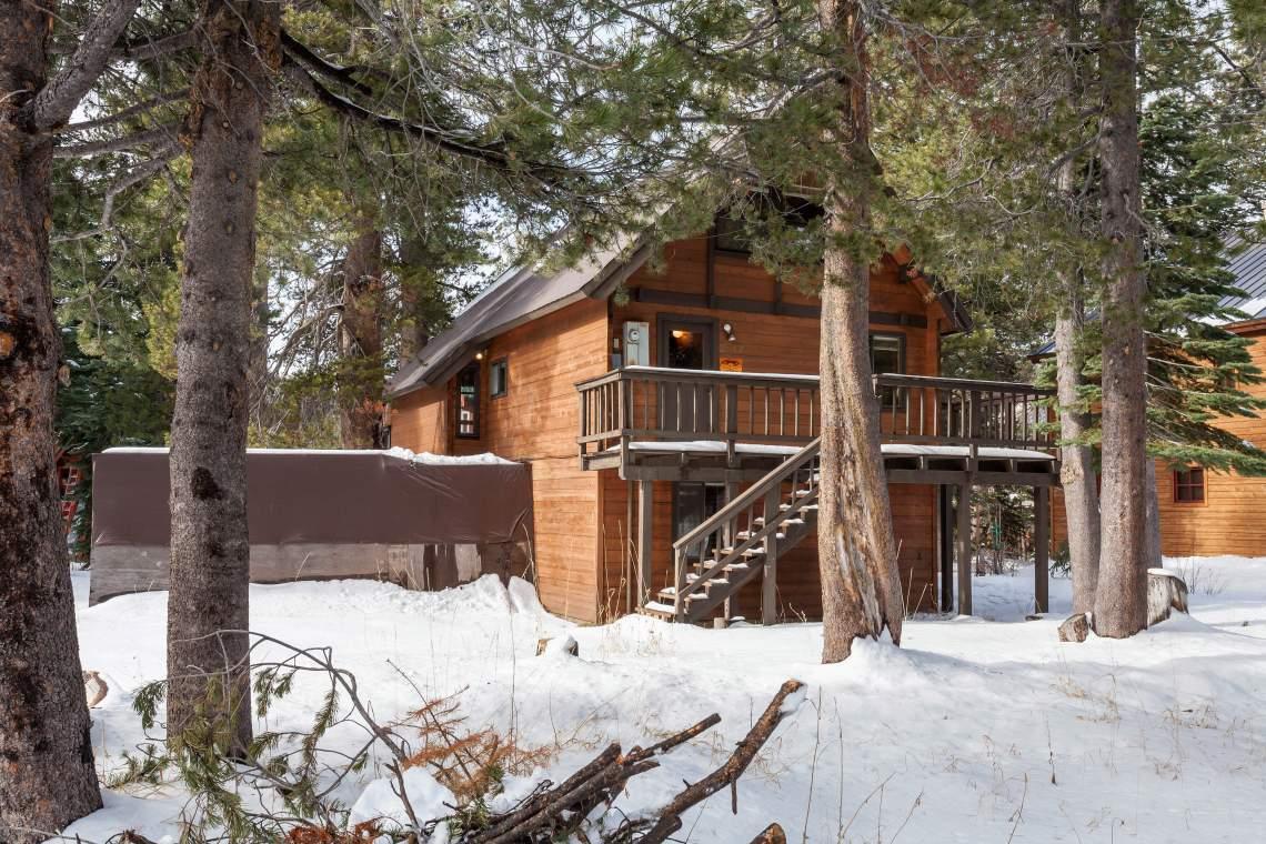 Belcastro Family Cabin - Serene Lakes, Soda Springs & Donner